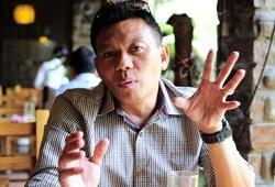 """Trợ lý ĐT Thái Lan Apisit và chuyến """"do thám"""" ĐTVN: """"Kiatisak muốn 3 điểm ở Mỹ Đình đấy"""""""