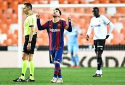 Messi rút ngắn khoảng cách trong cuộc đua Chiếc giày vàng