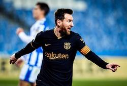 Messi vượt qua kỷ lục của Xavi ở Barca trong ngày lập cú đúp