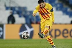 Quả phạt đền sút hỏng của Messi lẽ ra phải thực hiện lại?