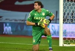 MU tính gây sốc với cựu thủ môn Arsenal để thay De Gea