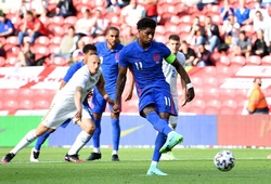 Rashford cán mốc 100 khi ghi bàn cho tuyển Anh trước Euro 2021