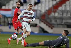 Cristiano Ronaldo chấm dứt cơn khô hạn bàn thắng với Bồ Đào Nha