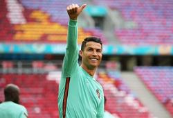 Ronaldo nhận đề nghị 17 triệu bảng từ MU để trở lại