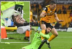 Thủ môn Wolves chịu va chạm kinh hoàng trong trận gặp Liverpool