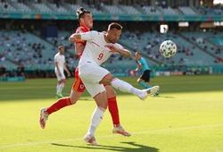"""Seferovic biến thành """"chân gỗ"""" trong trận Thụy Sĩ vs xứ Wales"""