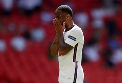 """Tuyển Anh lập """"hat-trick"""" sút trúng khung gỗ tại EURO 2021"""