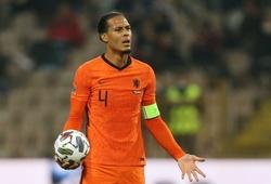 Van Dijk và các ngôi sao Hà Lan phản đối Van Gaal trở lại
