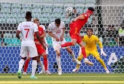 Xứ Wales giành điểm tại EURO nhờ cái duyên đánh đầu