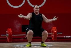 VĐV Cử tạ chuyển giới đầu tiên tại Olympic không giành nổi huy chương