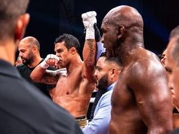 """Boxing thế giới vừa chứng kiến một tuần """"điên rồ, đáng quên và xấu hổ"""""""