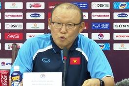 HLV Park Hang Seo gắt gỏng khi bị hỏi về thu nhập mùa dịch COVID 19