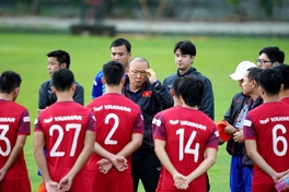 HLV Park Hang Seo đặt VL World Cup 2022 lên đầu, tiết lộ lý do không gọi Văn Hậu
