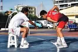 """Thầy Triều """"Đà Nẵng"""" - Đôi chân yếu ớt không ngăn nổi tình yêu bóng rổ"""
