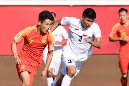 Vất vả ngược dòng trước Kyrgyzstan, Trung Quốc giành ba điểm đầu tiên ở Asian Cup 2019