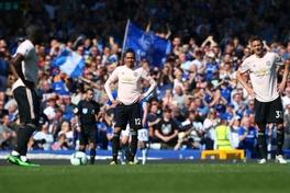 CĐV MU yêu cầu bán gấp 1 cầu thủ sau thất bại kinh hoàng trước Everton