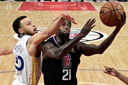 Bất ngờ phát hiện điểm yếu của Stephen Curry ở NBA Playoffs, điều đang giới hạn sự bá đạo của Warriors