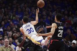 HLV Doc Rivers hé lộ cái bẫy mà LA Clippers đã dùng để trị Stephen Curry