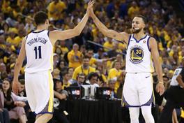 Warriors có nguy cơ mất cả Stephen Curry lẫn Klay Thompson cho đại chiến NBA Playoffs sắp tới