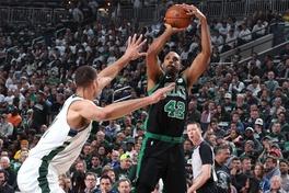 """Al Horford: Vũ khí """"sát thần"""" mà Celtics đã chuẩn bị để đón tiếp Giannis Antetokounmpo"""