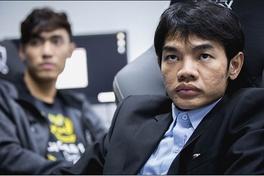 Tinikun tiếp tục chỉ trích VETV và Hoàng Luân, gọi HLV của LK là Hèn