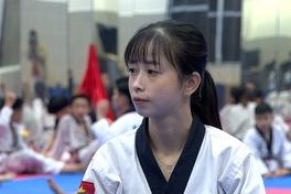 """Châu Tuyết Vân - Chuyện của nhà vô địch """"cô đơn"""""""