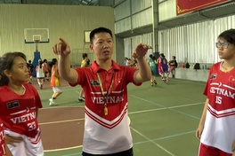 """HLV Huỳnh Quốc Huy - """"Người thầy quốc dân"""" của bóng rổ Quận 1"""