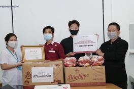 """Đợt 2 tặng nhu yếu phẩm chiến dịch """"Xin Cảm Ơn"""": Bảo Ngọc tiếp tục tri ân y bác sĩ"""