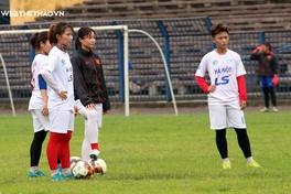Các CLB nữ Việt Nam vật lộn với nắng hè oi bức sau COVID-19