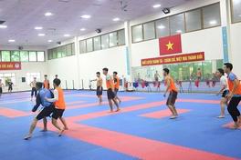 """""""Đột nhập"""" một buổi tập đặc biệt giữa mùa dịch của Tuyển karate Việt Nam"""