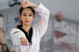Màn trình diễn của Châu Tuyết Vân và đồng đội quyền biểu diễn đồng đội nữ