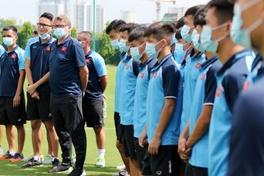 HLV Troussier sẵn sàng cho VCK U19 Châu Á, tiết lộ lý do không triệu tập cầu thủ của SLNA