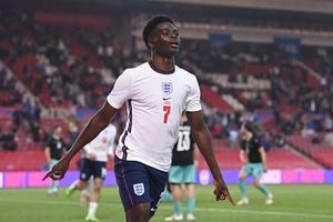 Garry Neville: Sự phấn khích Bukayo Saka tạo nên sẽ khiến Đan Mạch bức bối