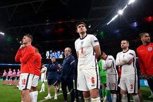 Sự nhút nhát trên hàng công khiến người Anh thất bại trước Italia?