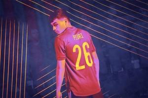 Pedri đoạt danh hiệu cầu thủ trẻ xuất sắc nhất EURO 2021