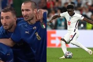"""""""Lời nguyền"""" của Chiellini khiến Saka sút hỏng phạt đền trước Italia?"""