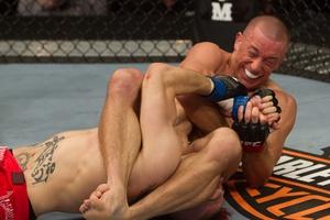 Top 20 pha submission kinh hoàng nhất trong lịch sử UFC