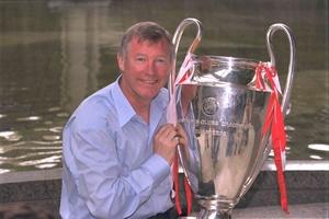 Sir Alex Ferguson dẫn dắt đội huyền thoại của MU tái hiện chung kết Champions League 1999 tại Old Trafford
