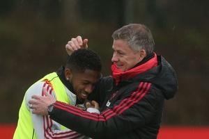 Tin bóng đá ngày 27/2: Solsa tiết lộ điều kiện để Fred được thi đấu trở lại