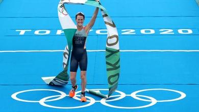 """HCV Olympic lịch sử của cô gái triathlon cho hòn đảo """"tam giác quỷ"""" 64000 dân"""