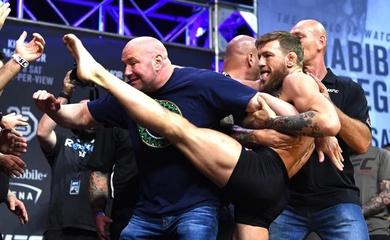 Vụ bóc phốt Dana White khiến Conor McGregor phá luôn luôn cơ hội tái đấu Khabib
