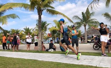 """Tuyển thủ triathlon """"đóng chế độ thi đấu"""", hướng tới SEA Games 31 trên sân nhà"""