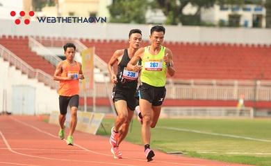 """Chùm ảnh: """"Hot boy"""" Lê Quang Hòa núp gió thành công đánh bại đàn anh Văn Tuấn"""