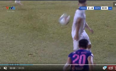 VPF đề nghị xử lý nghiêm cầu thủ Sài Gòn FC ném bóng vào mặt Hồng Duy