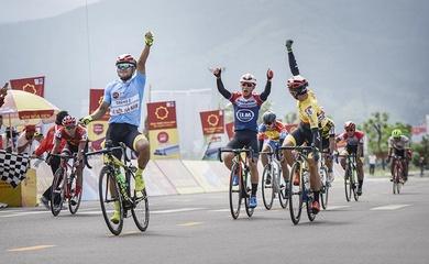 Chặng 7 giải đua xe đạp VTV Cúp Tôn Hoa Sen 2020: Nguyệt Minh xuất sắc cán đích đầu tiên