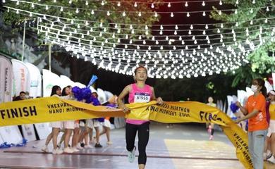 Nguyễn Thị Oanh, Hồng Lệ cùng ẵm giải thưởng lớn giải chạy nửa đêm ở Hà Nội