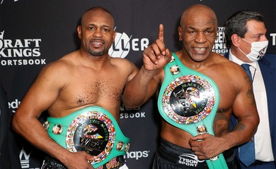 Mike Tyson vs. Roy Jones Jr: Phá vỡ những đồn thổi với 1,2 triệu lượt trả tiền xem