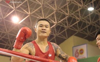 """Chùm ảnh: Chiến thắng """"chấn động"""" giải Boxing VĐQG của Trương Đình Hoàng"""
