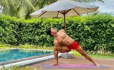 Tuyển thủ triathlon SEA Games khoe bụng 8 múi với bài tập yoga hấp dẫn
