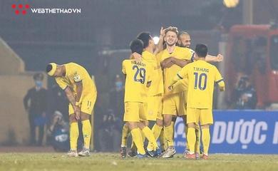 Đánh sập Hà Nội trong 4 phút, Nam Định tạo địa chấn ở V.League 2021